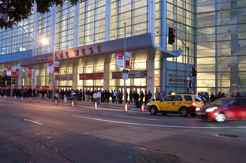 Long Line for Oracle Appreciation Event, JavaOne + Develop 2010 San Francisco