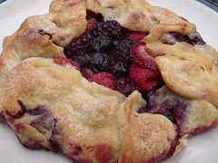 berry galette by Teckelcar
