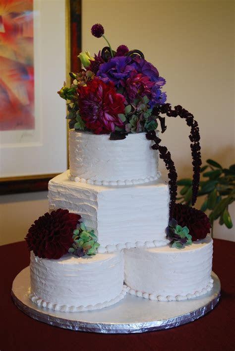 Round and Hexagon Wedding Cake   unique setup   rustic