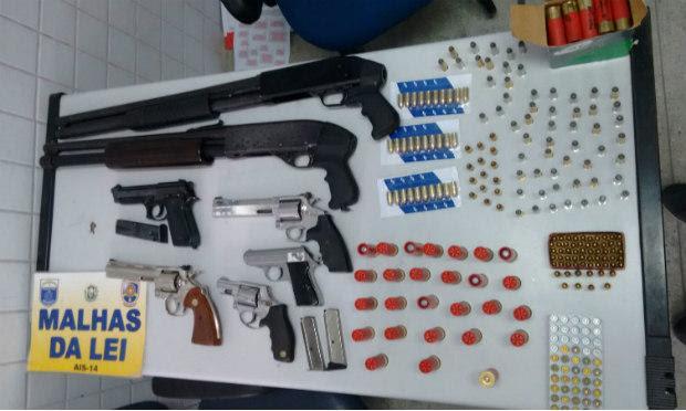 Armas apreendidas were Na Casa de Parentes de Presidiário / Foto: Divulgação / PM.