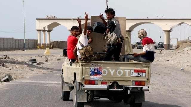 Yemen separatists break peace deal to claim control of south