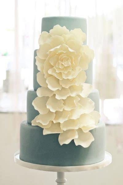 Wedding Cakes Pictures: White Petal Wedding Cake
