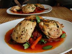 ravioles de pollo, rellenos de champignones so...