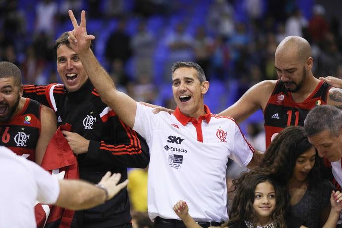 Neto Marcelinho Machado Flamengo campeão NBB (Foto: Fotojump/LNB)