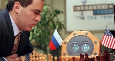 Ex-campeão mundial de xadrez defende boicote à Copa do Mundo na Rússia