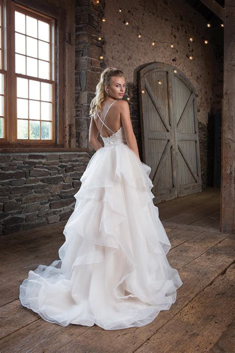 1123 Wedding Dress from Sweetheart   hitched.co.uk