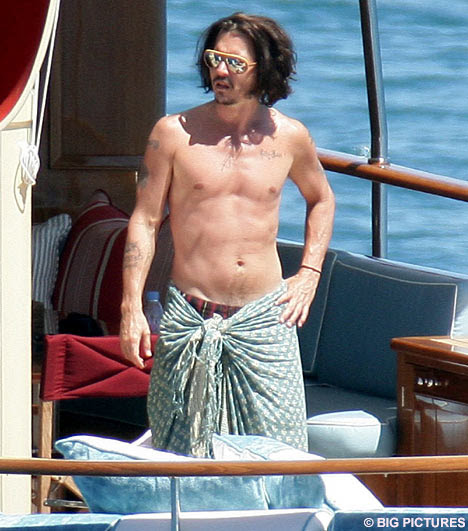 johnny depp and vanessa paradis pictures. Johnny Depp sets sail on romantic voyage