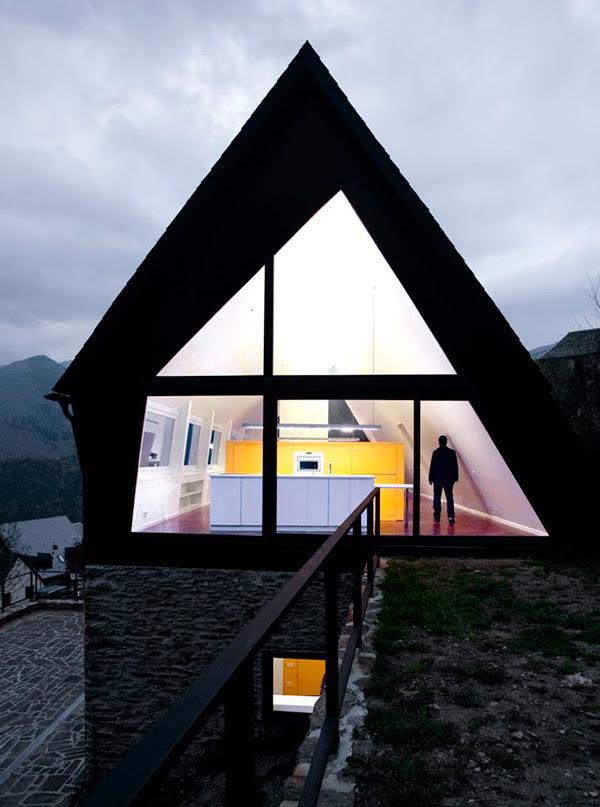 extraordinary-house-design-with-extraordinary-views-of-pyrenees-3.jpg