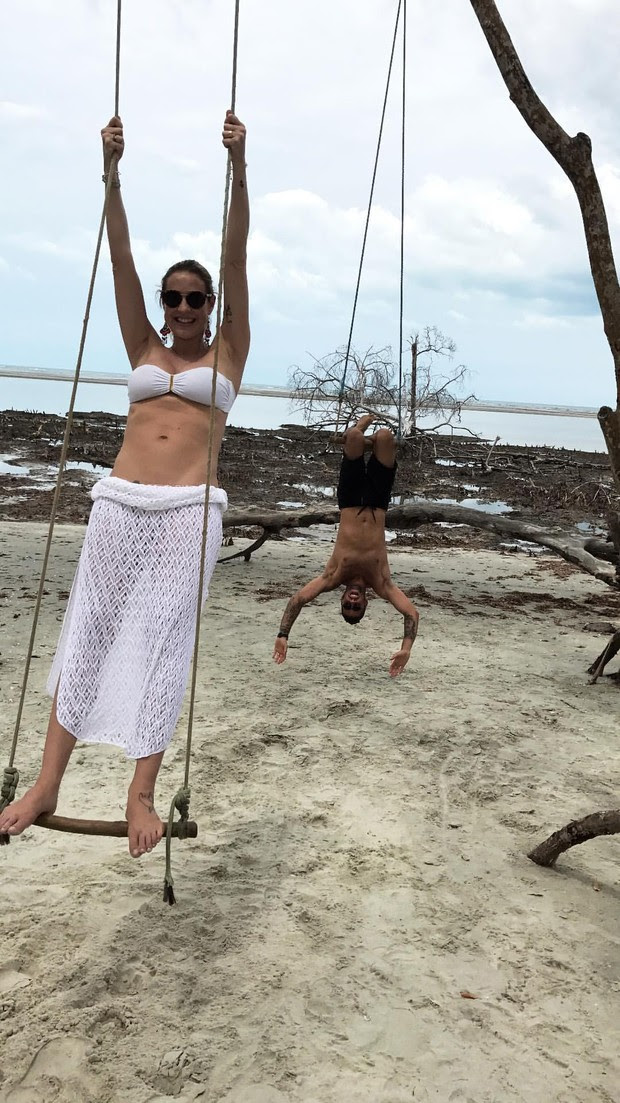 Luana Piovani e Pedro Scooby aproveitam férias no Ceará (Foto: Instagram / Reprodução)