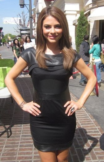 Maria Menounos wearing Kymerah dress