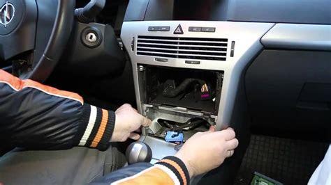 demontaz urzadzen elektrycznych  kabinie opel astra hmp