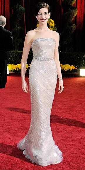 AWARD-WORTHY photo | Anne Hathaway