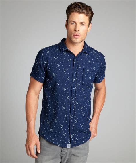 Summer Style: What?s up With the Short Sleeve Shirt