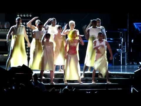 born this way al monster ball tour di lady gaga: video