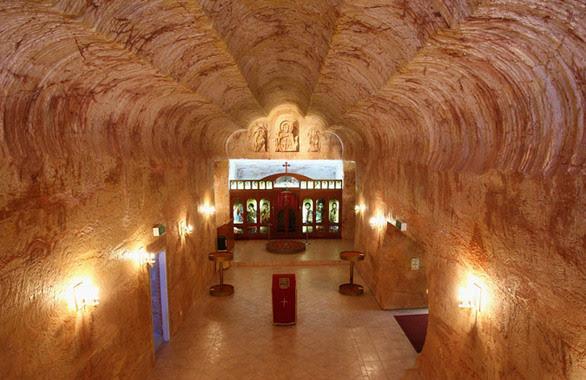 Απίστευτα μοναστήρια που είναι χτισμένα σε σπήλαια! (pics)