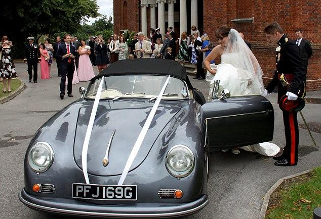 Την παράσταση: Megan είναι βοήθησε στην αυτο-κατασκευή της Porsche από τα νέα σύζυγο της Rob