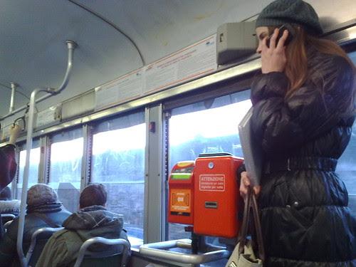 Sono sul tram! by durishti