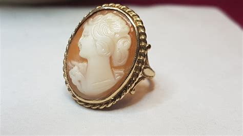 stolen  karat yellow gold antique cameo ring cash