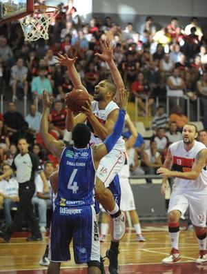 Olivinha basquete Flamengo x Limeira (Foto: Alexandre Vidal / Fla imagem)