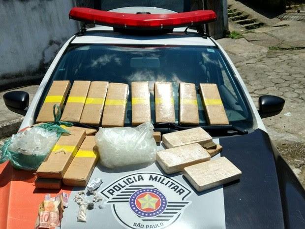 PM apreendeu quase 20 Kg de droga em Caraguatatuba (Foto: Divulgação/ Polícia Militar)