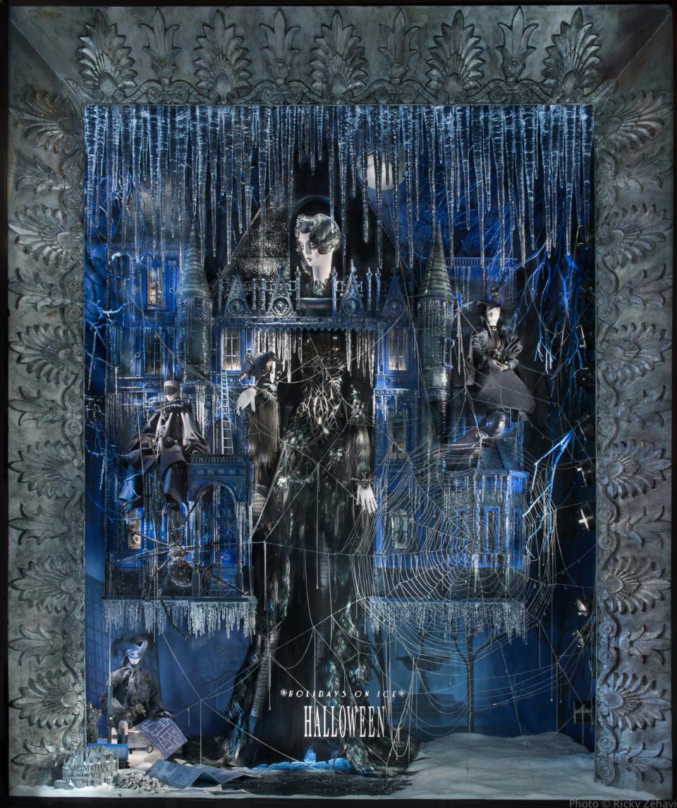 best-window-displays_bergdorf-goodman_2013_christmas_holidays-on-ice_20
