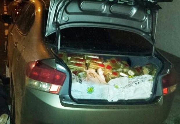 Drogas foram apreendidas com os detidos (Foto: Divulgação / Polícia)