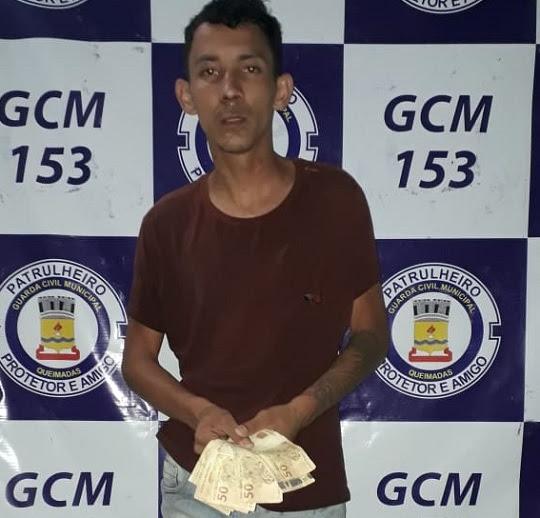 Robson foi localizado com parte do dinheiro da vítima | Foto: Divulgação/GCM
