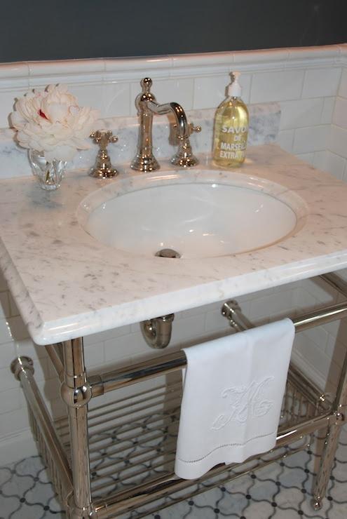 bathroom - Benjamin Moore Amherst Gray - Pretty Pink Tulips