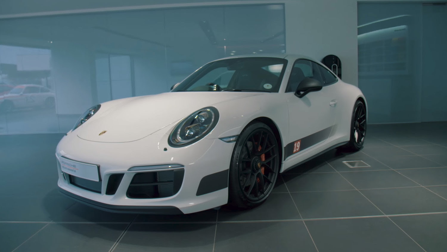 Porsche Releases 911 Carrera 4 Gts British Legends Edition