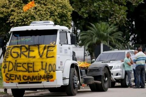 Caminhoneiros anunciam paralisação nacional em 16 de dezembro
