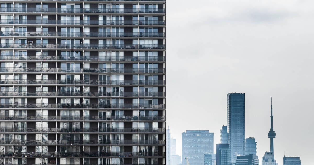 Toronto rent prices are still down nearly 15% since this time last year