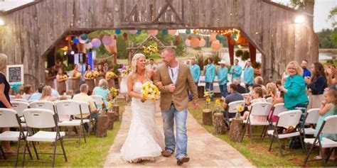 The Farmhouse Retreat Weddings Weddings   Get Prices for