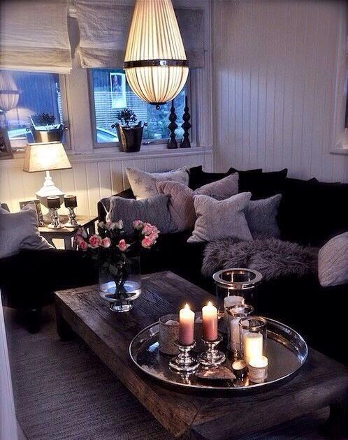 Awesome kleine woonkamer ontwerpen met zwarte bank for Woonkamer ontwerpen