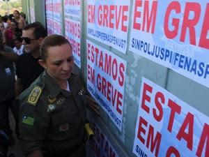 Júlia Beatriz Almeida, do gerenciamento de crise da Polícia Militar, participou das negociações (Foto: Gustavo Almeida/ G1)
