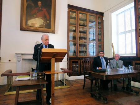 José Antonio Ferrer Benimeli, Keith Sherif y José Miguel Delgado Idarreta.