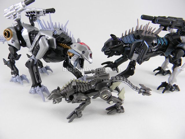 Transformers Sea Attack Ravage HftD Deluxe - modo robot vs otros Ravages