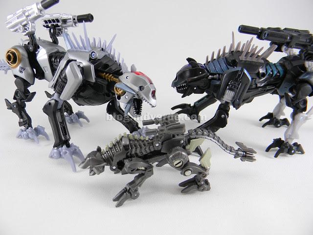 Transformers Sea Attack Ravage HftD Deluxe - modo robot vs otros Ravages