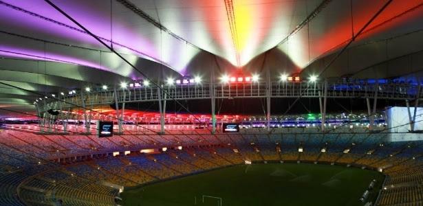 Maracanã experimenta novo sistema de iluminação composto por 480 projetores e capaz de emitir 100 tons de cores