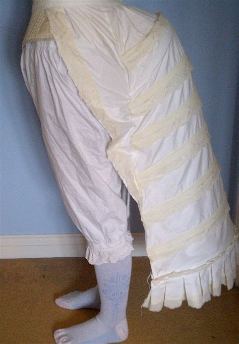 How to make a Victorian cage bustle   A Damsel in This Dress