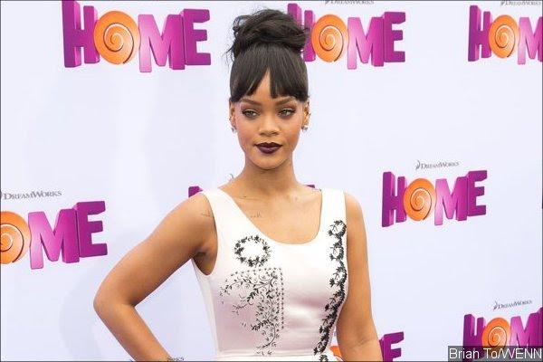 Rihanna Denies She Snorted Cocaine at Coachella