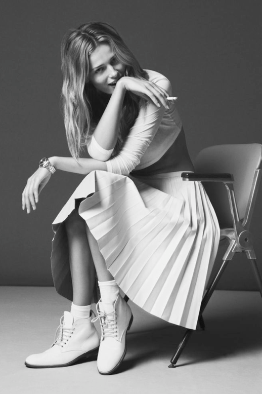 ANTIDOTE WHITE EDITORIAL WHITETOP PLEATED SKIRT SIMPLE HAIR SILVER JEWELRY WATCH WHITE LEATHER LACE UP BOOTS  NATURAL BEAUTY Edita Vilkeviciute 4