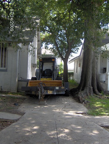 Illegally parked vehicle - 8415 Pritchard Place