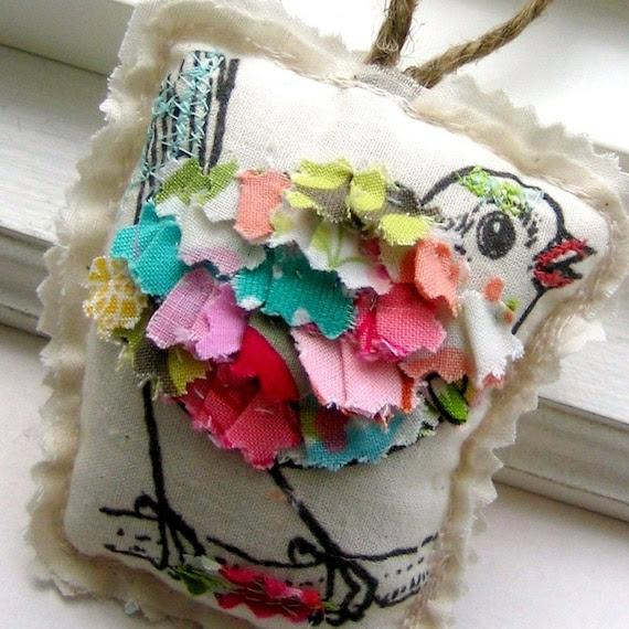 bird ornament, appliqued bird ornament , ruffle bird ornament, fabric scrap ornament, Christmas ornament, fabric bird ornament - No. 178