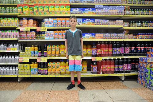 kid in pound store_6365 web
