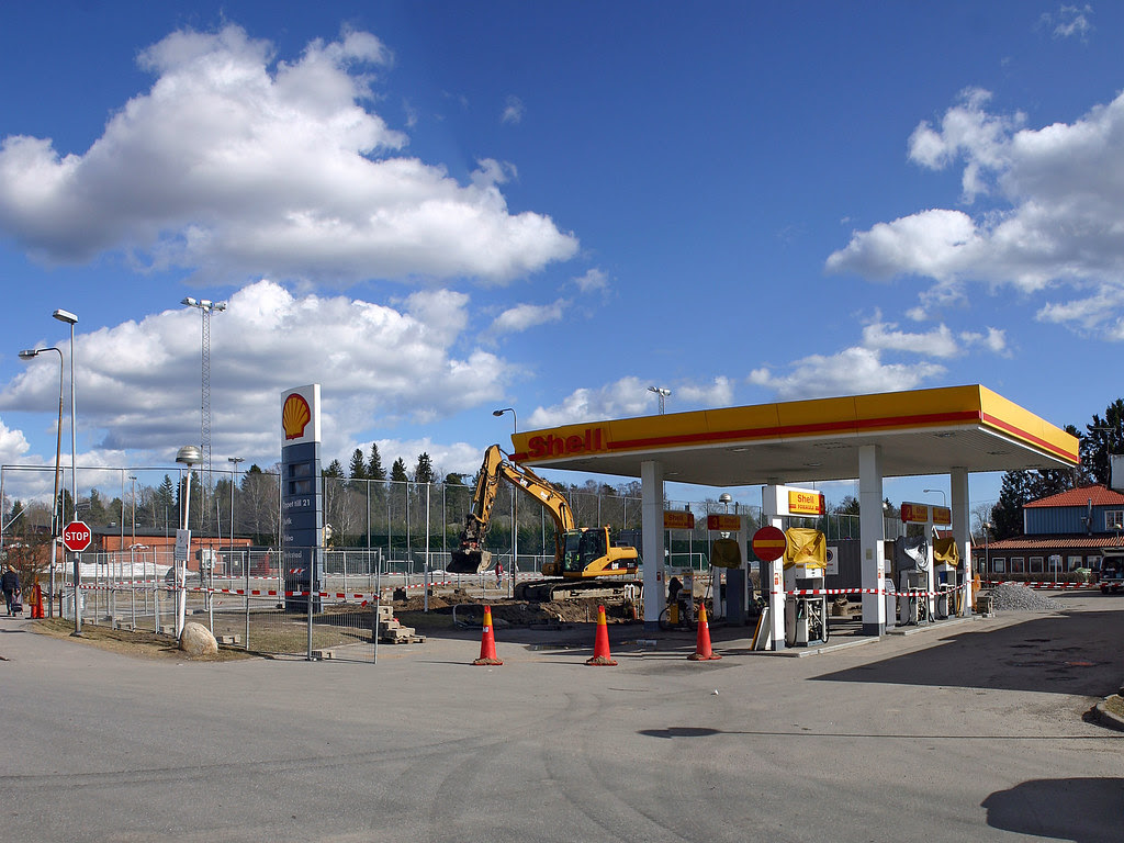 killer cones at the shell station in tungelsta
