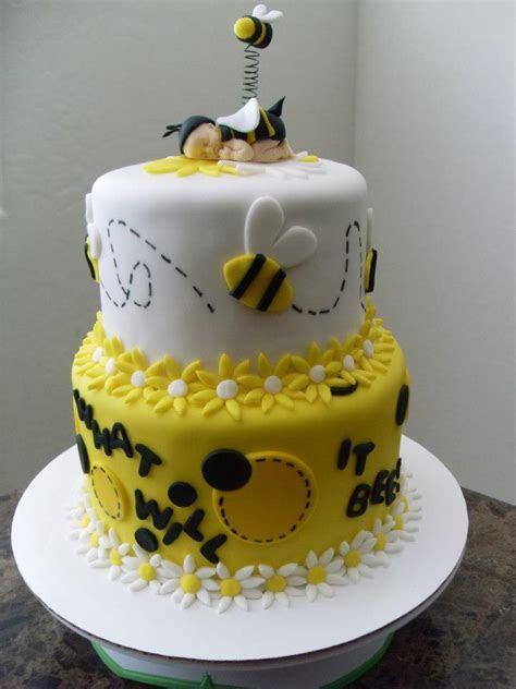 Bee Themed Reveal Cake   Lovebug's Edible Designs