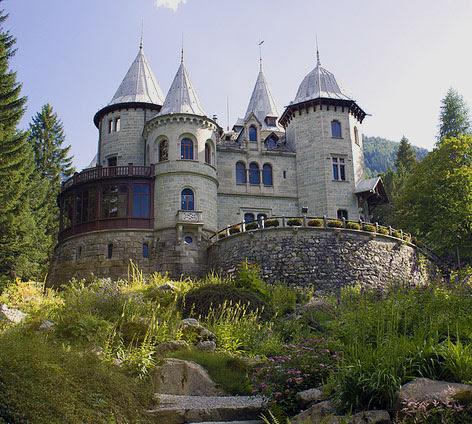 Resultado de imagem para castelo saboia