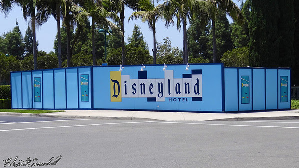 Disneyland Resort, Disneyland Hotel