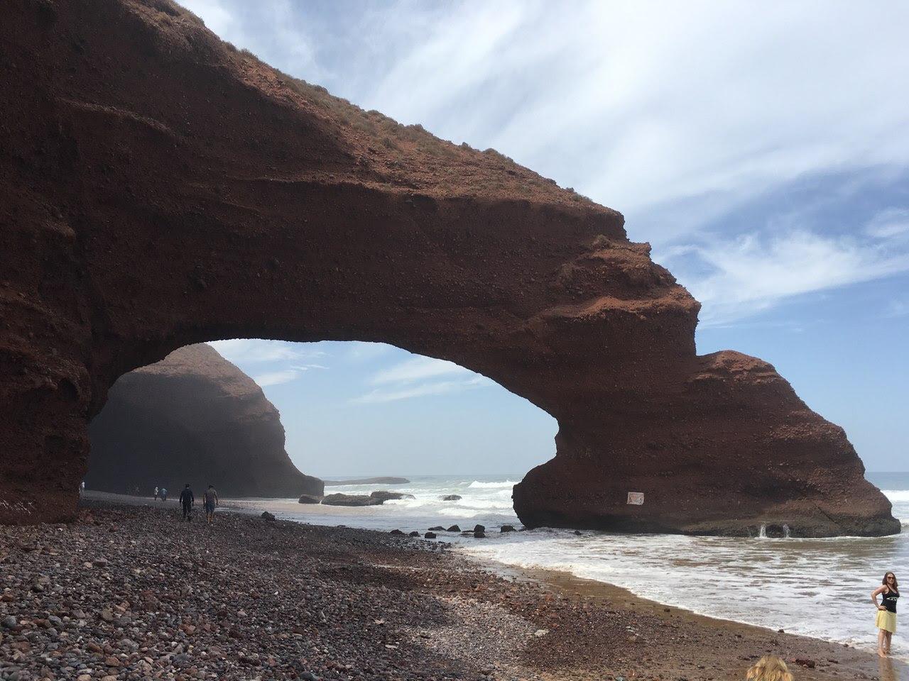 arches Legzira effondrement, arche Legzira effondrement, un des deux arcs à Legzira effondrées, Maroc: L'juin des Deux arches rocheuses de Legzira effondrée, maroc Legzira arc effondrement