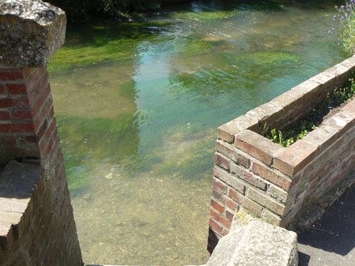 rivière.jpg